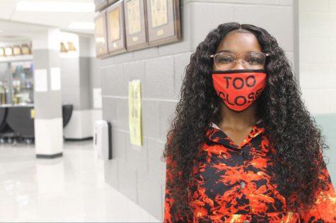 Senior Alana Kearney gives us her best smile. Kearney enjoyed wearing different masks throughout the week.